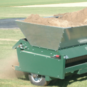 Turfco-Mete-R-Matic-IV-oncourse1