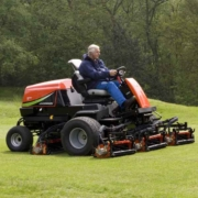 Jacobsen-Fairway-305-oncourse