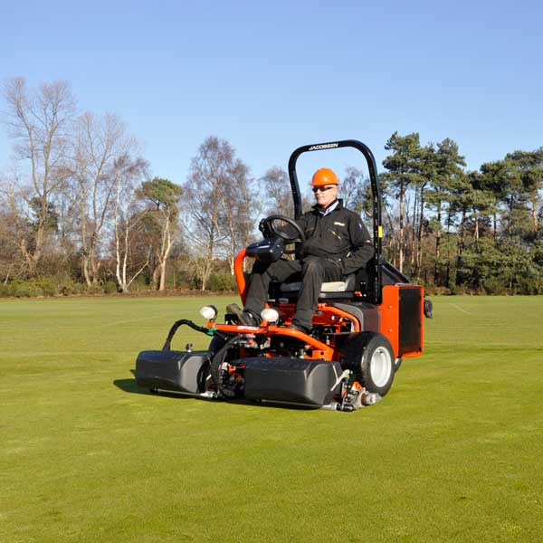 Jacobsen-GP400-oncourse2