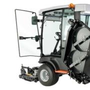 Jacobsen-HR600-Cab-opendoor