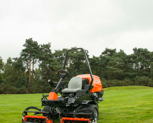 Jacobsen-TR-320-oncourse