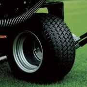 Jacobsen-TR320-treaded-tyres_TR_Series_PROD