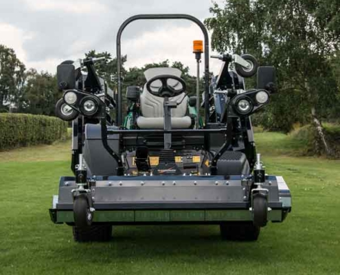Ransomes-HM600-on-duty