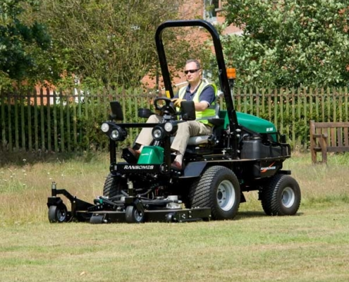 Ransomes-HR300-oncourse2