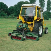 Ransomes-Mounted-241-oncourse1