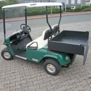 E-Z-GO-Golfcarts-mit-Ladebox