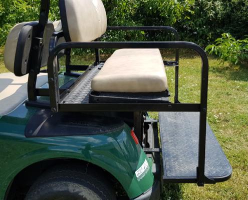 Gebrauchte-Golfcarts-EZGO-RXV-grün-FlipFlop-Sitzfläche-seitlich-600x600