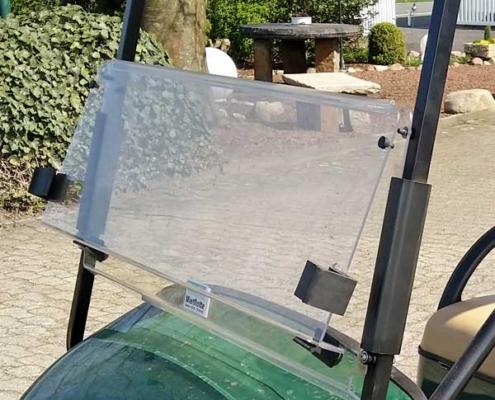 EZGO-TXT-elektro-grün-2-Sitzer-2018-klappbare-Windschutzscheibe-600x600