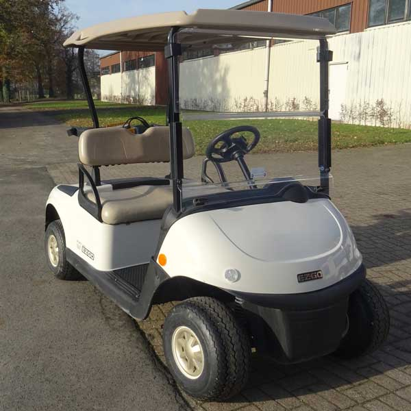 Gebrauchte-Golfcarts-EZGO-TXT-weiss-right-600x600a